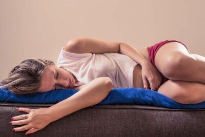 dores-abdominais-cistos-miomas-endometriose